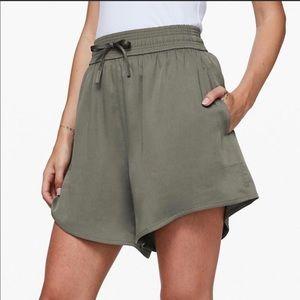 Lululemon Feeling Femme Green Shorts Size 8